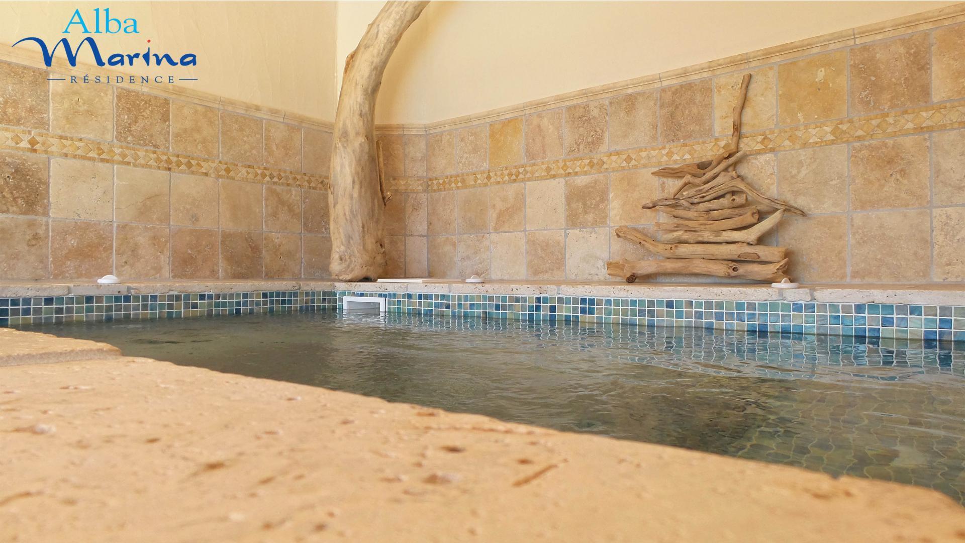 Residence luxe avec spa porto vecchio massages en corse du sud for Camping corse bord de mer avec piscine
